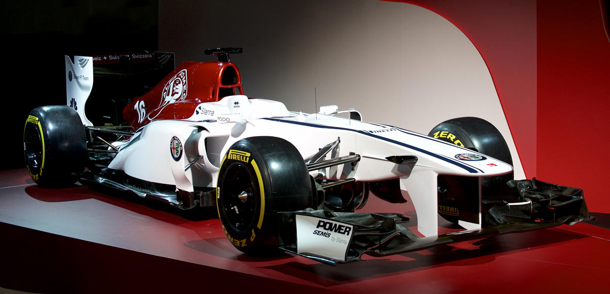 171202_Alfa-Romeo_Team-F1_02_new